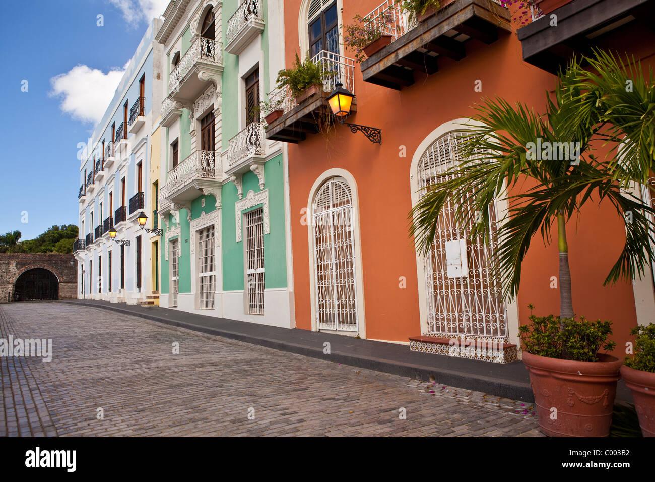 Historic traditional homes along Calle Recinto Sur Old San Juan, Puerto Rico. - Stock Image