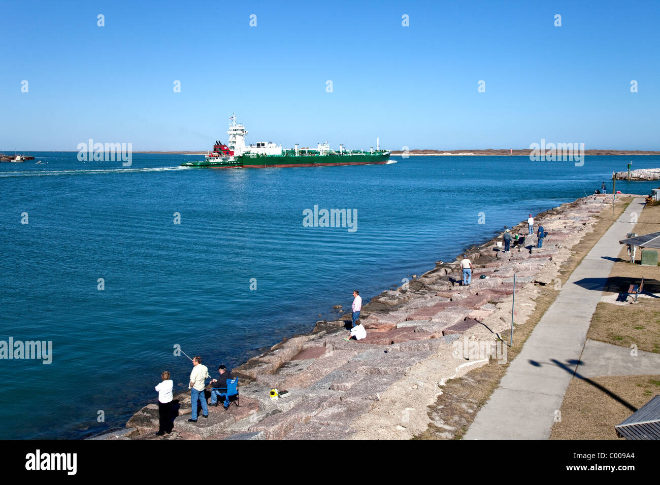 Roberts Point Park, Corpus Christi shipping channel. - Stock Image