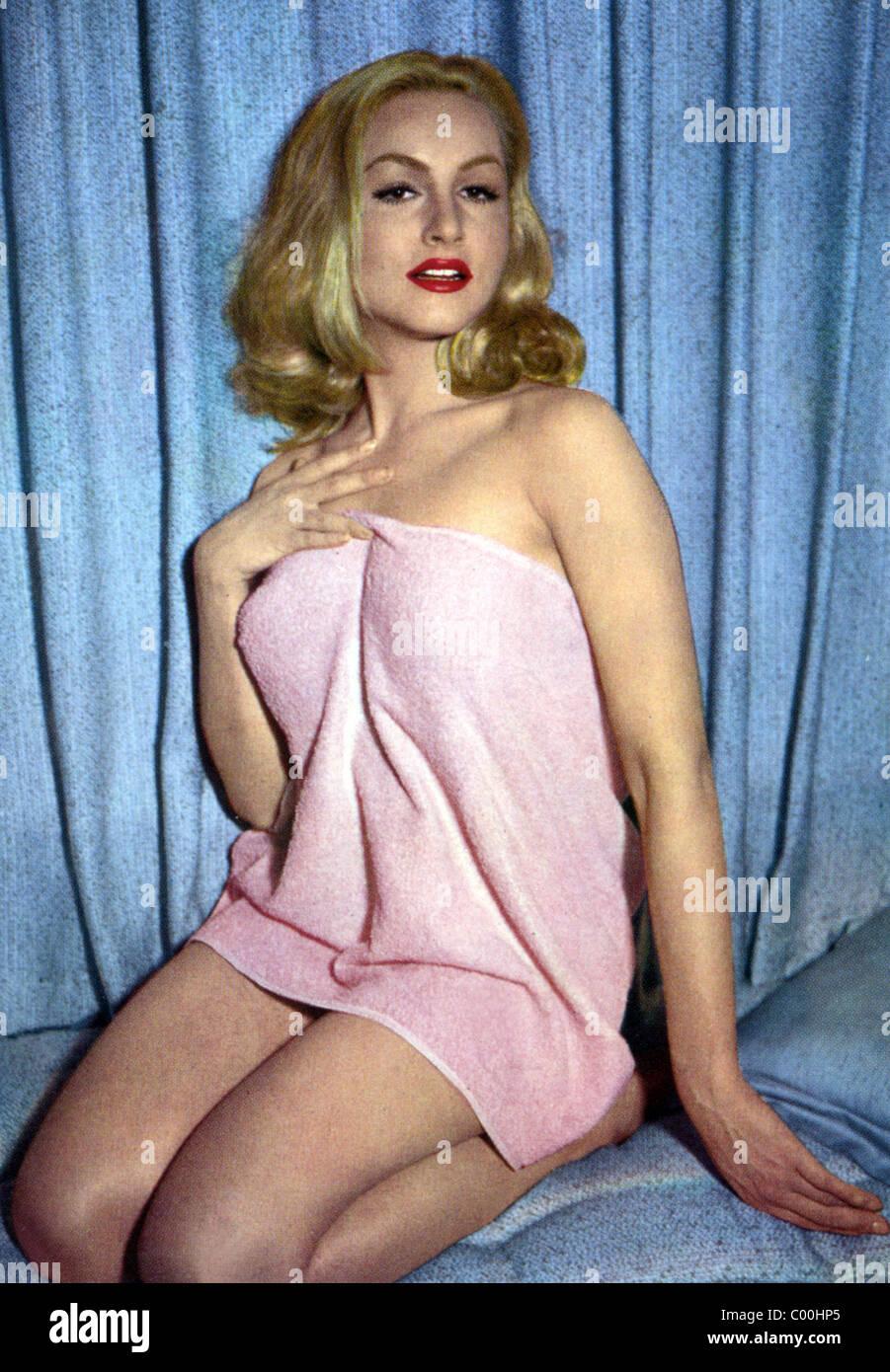 JULIE NEWMAR ACTRESS (1955) - Stock Image