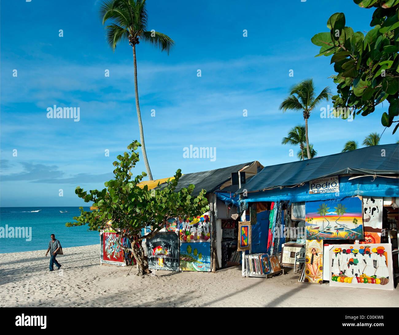 Souvenir shops on beach at Bayahibe, Dominican Republic - Stock Image