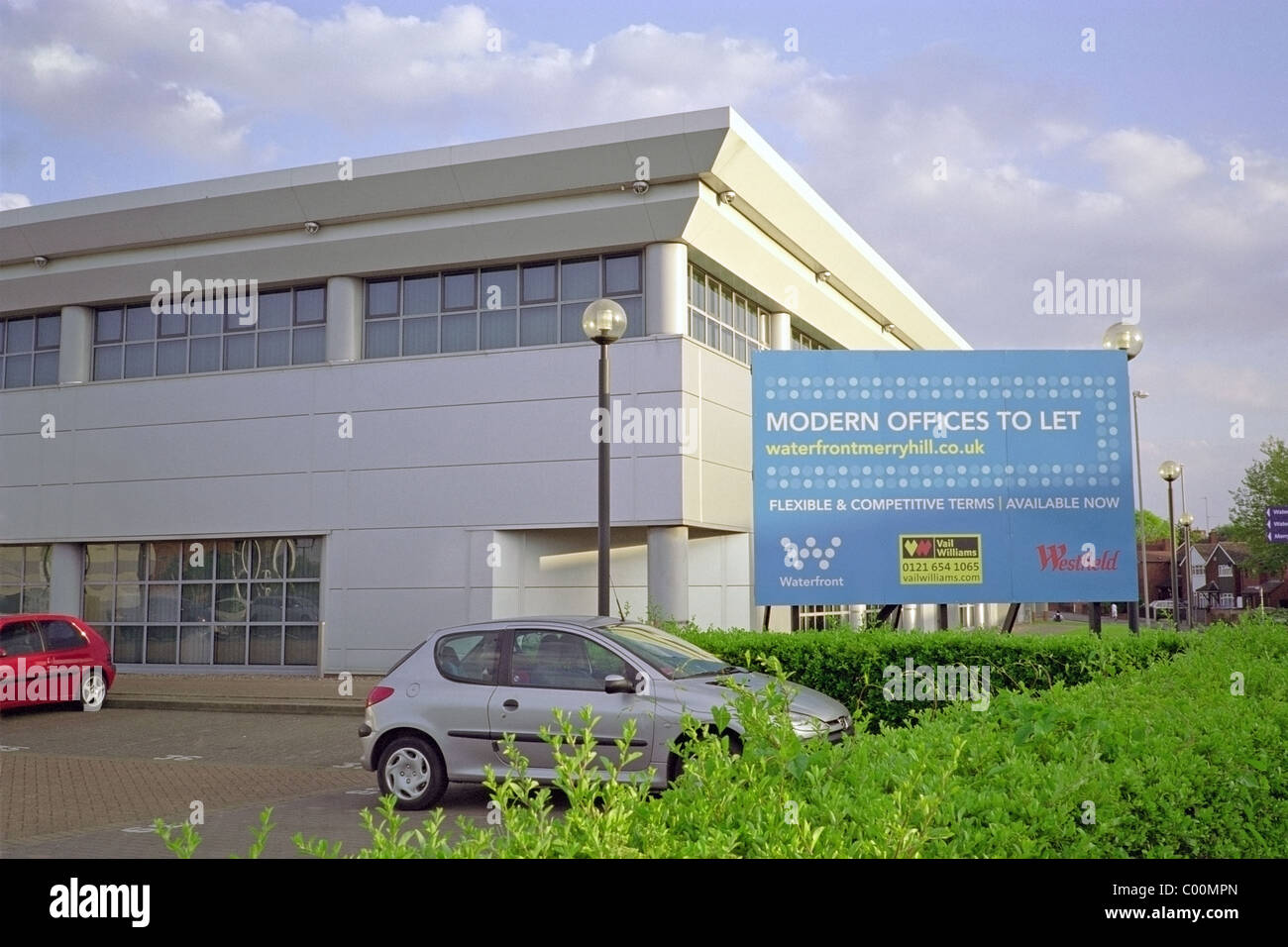 Modern Offices To Let With Sign and Car Parking, Waterfront Development, Brierley Hill, West Midlands, England, - Stock Image