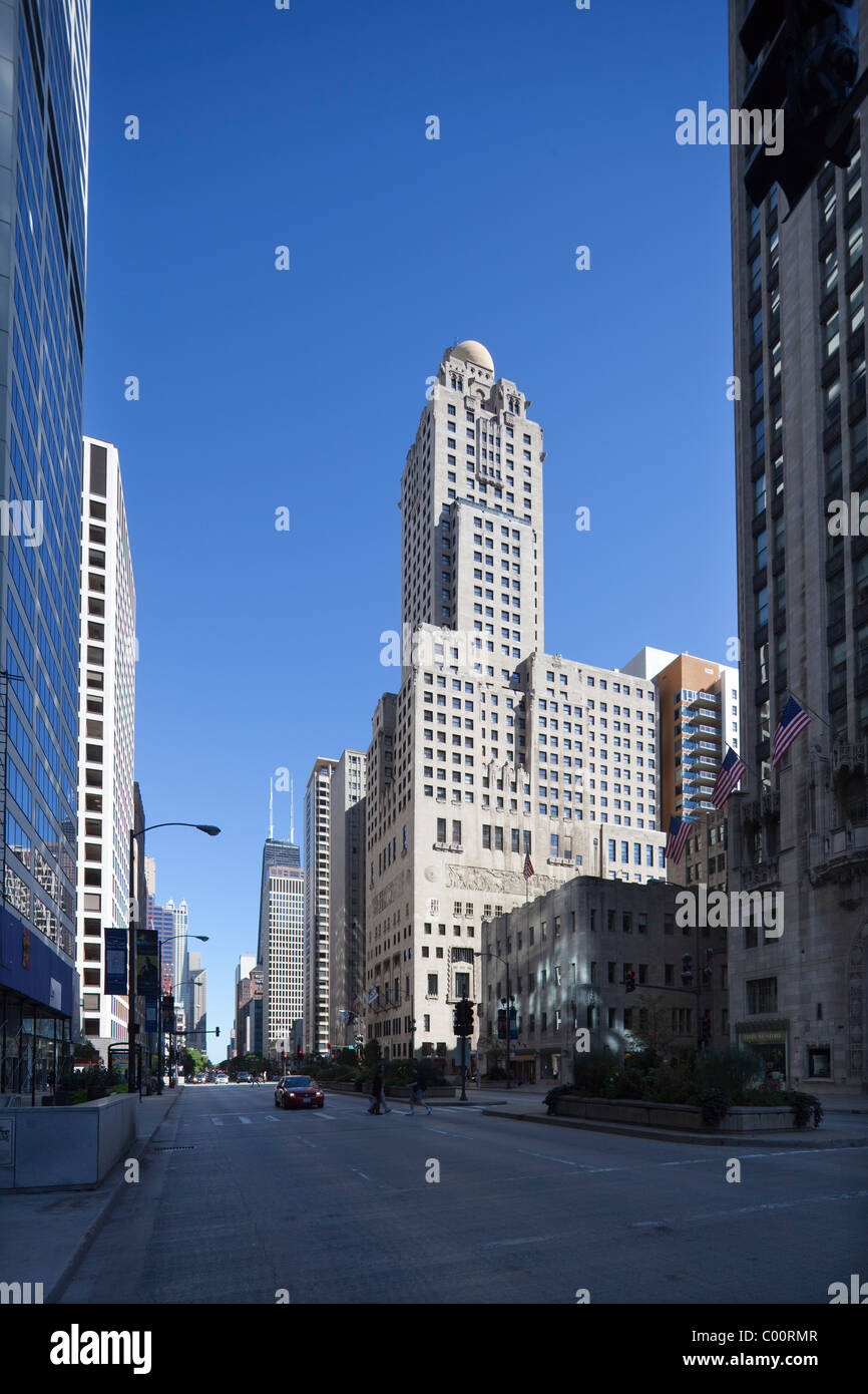 Medinah athletic club now the hotel intercontinental for Hotel right now in chicago