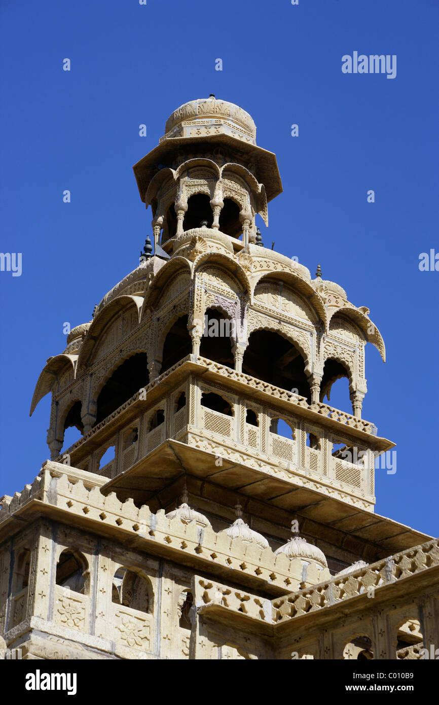 India, Rajasthan, Jaisalmer, Intricately carved stonework on merchant's house - Stock Image
