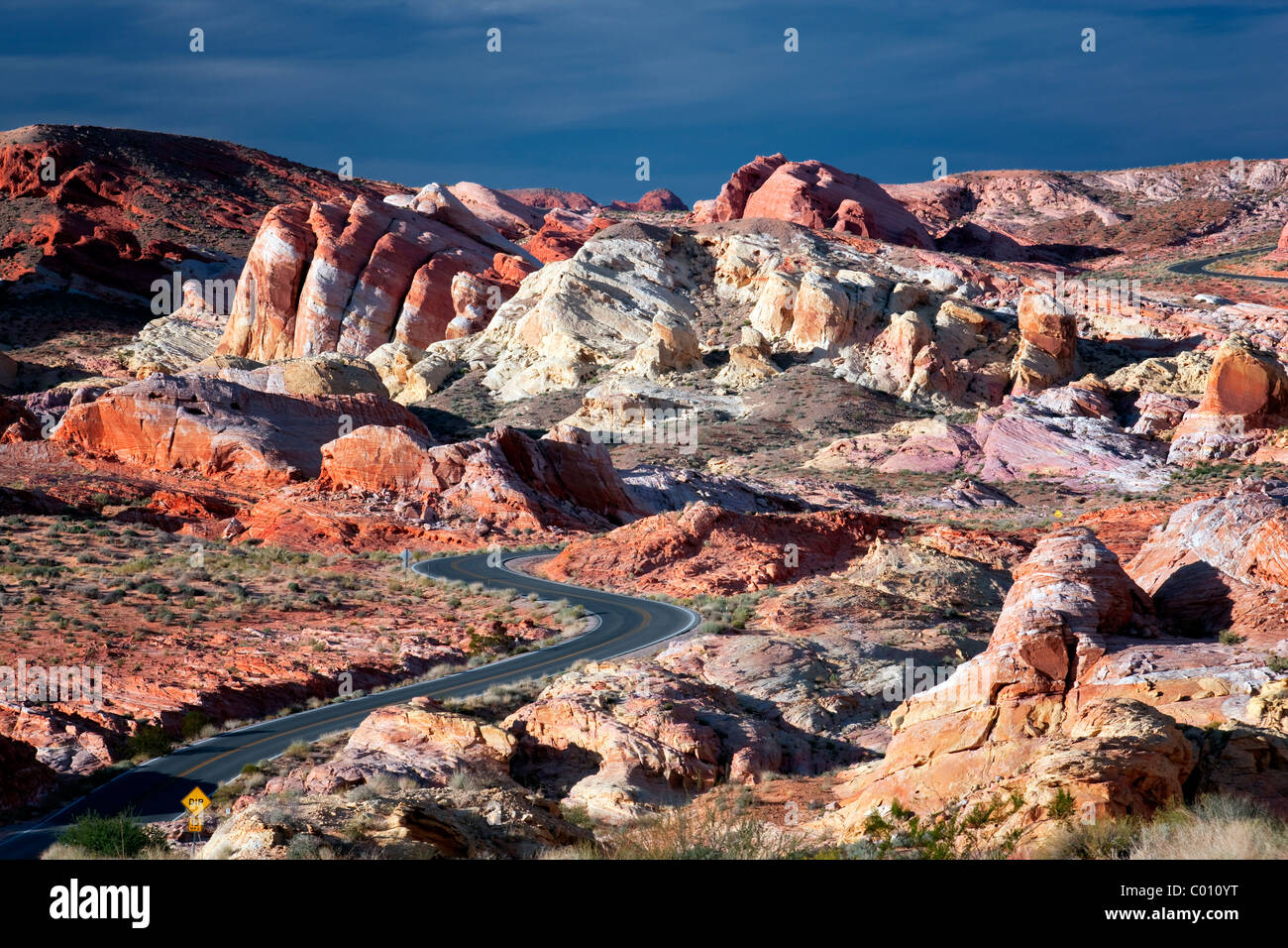 Road through Valley of Fire State Park, Nevada - Stock Image