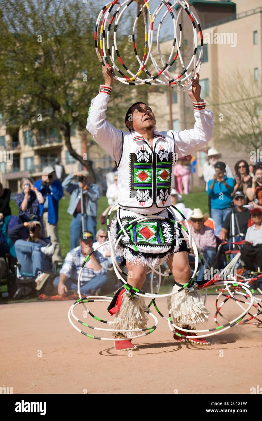 Dancer at the 2011 World Championship Hoop Dance Contest at Heard Museum, Phoenix, Arizona, USA - Stock Image