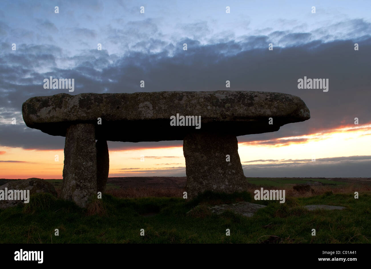 ' Lanyon Quoit  a neolithic burial burial chamber near Madron in West Cornwall, UK - Stock Image