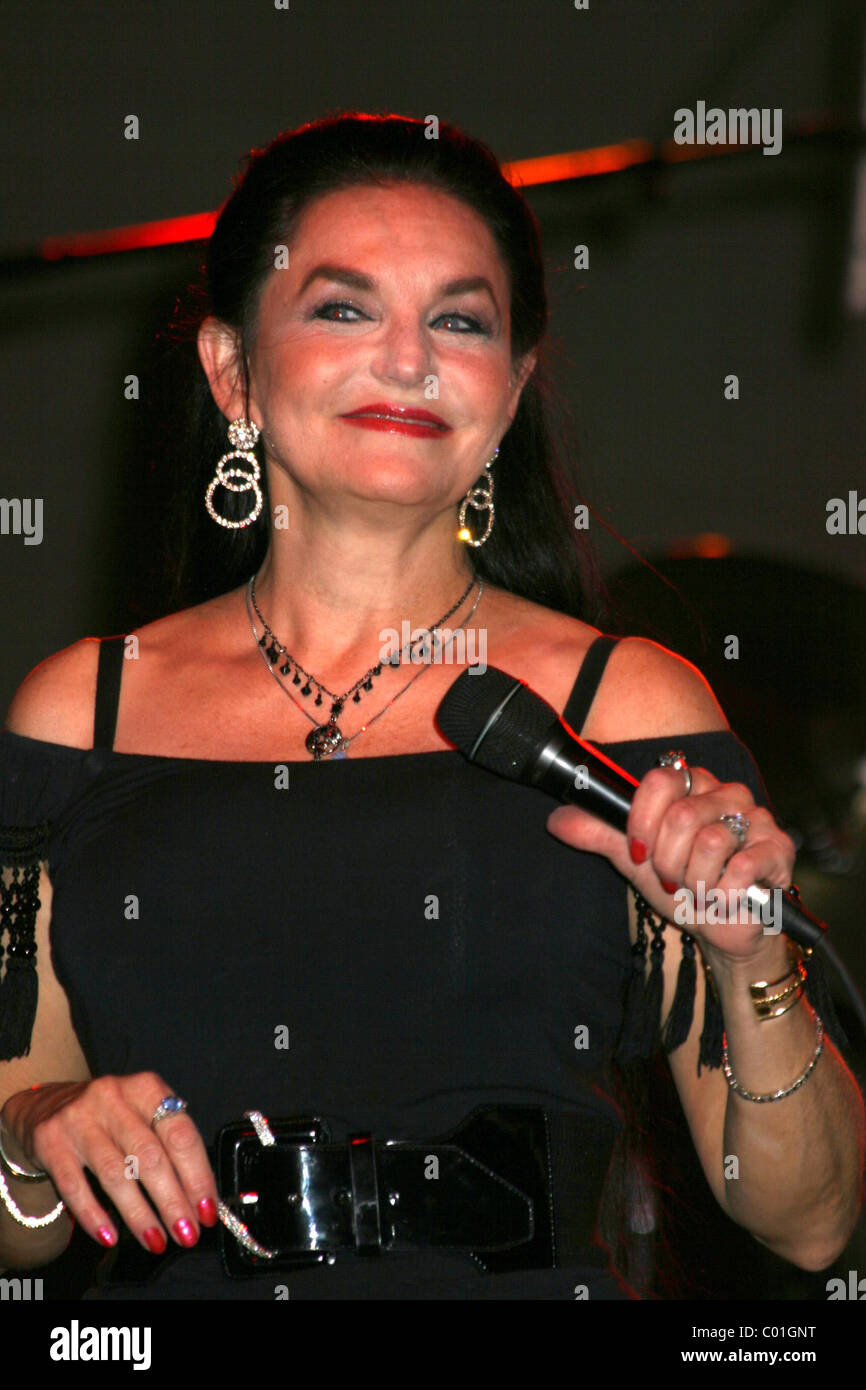 Crystal Gayle performing at the 'Poolside Concert Series' at Silverton Hotel and Casino Las Vegas, Nevada - Stock Image