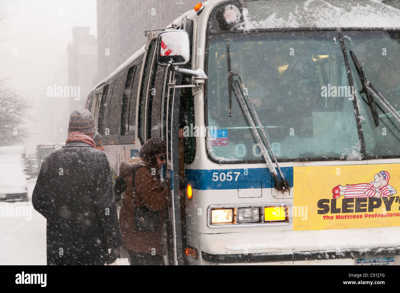 Mta Bus New York Stock Photos Mta Bus New York Stock Images Alamy