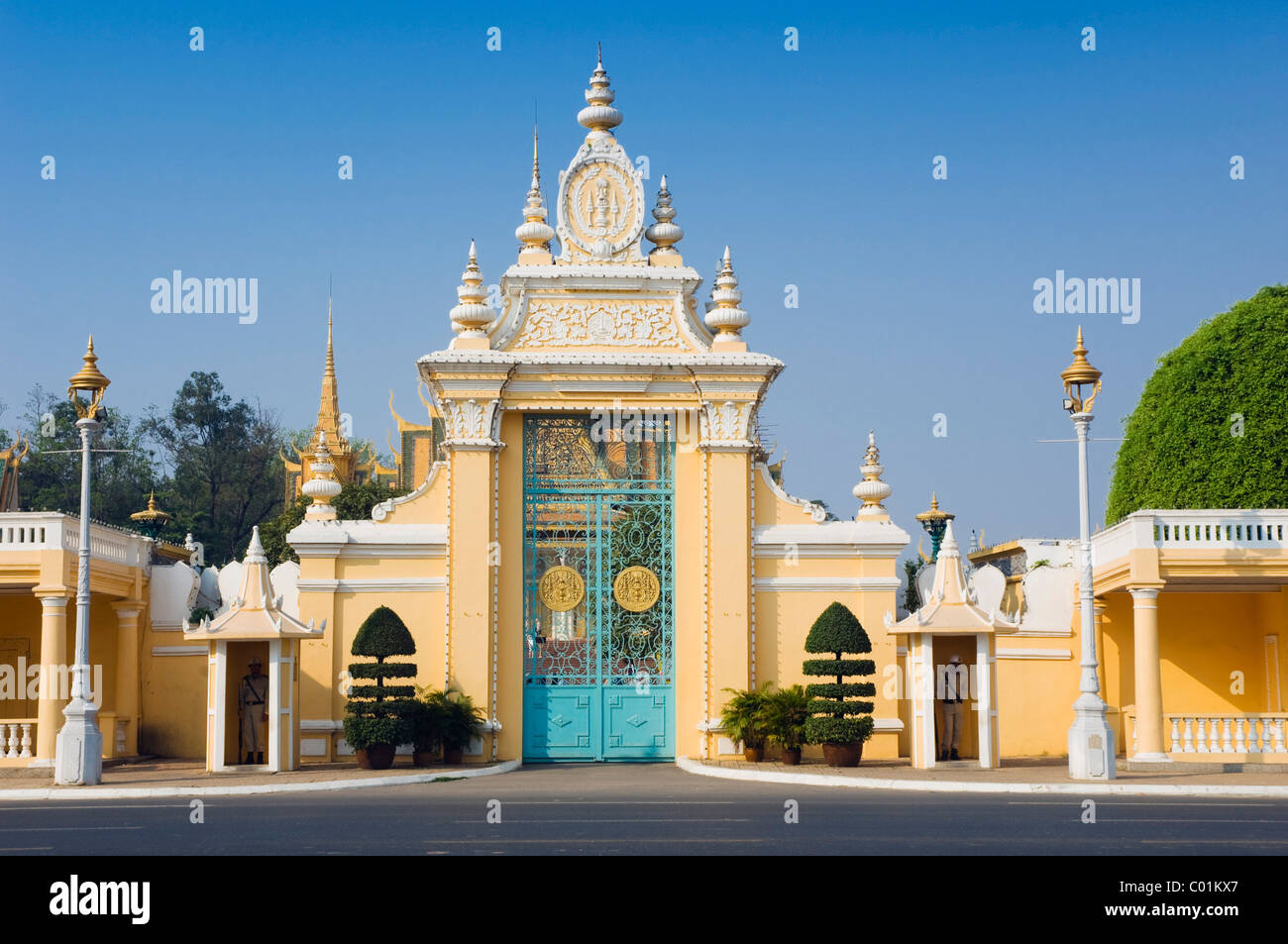 victory gate royal palace phnom penh cambodia indochina stock photo 34458319 alamy. Black Bedroom Furniture Sets. Home Design Ideas