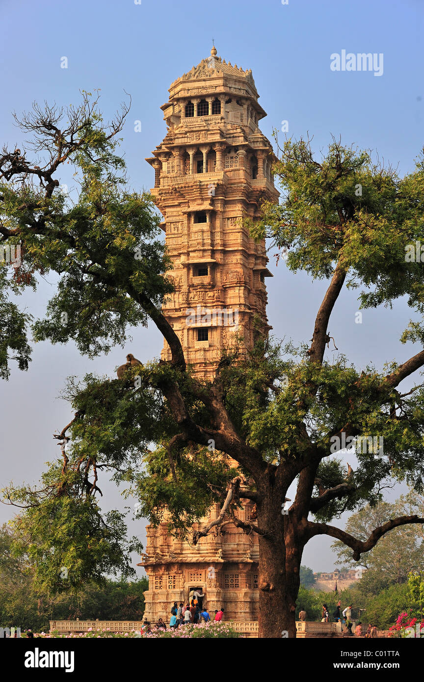 Victory tower of the Rajput fortress, Chittorgarh Fort from the 15th century, scenes from the Ramayana and the Mahabharata - Stock Image