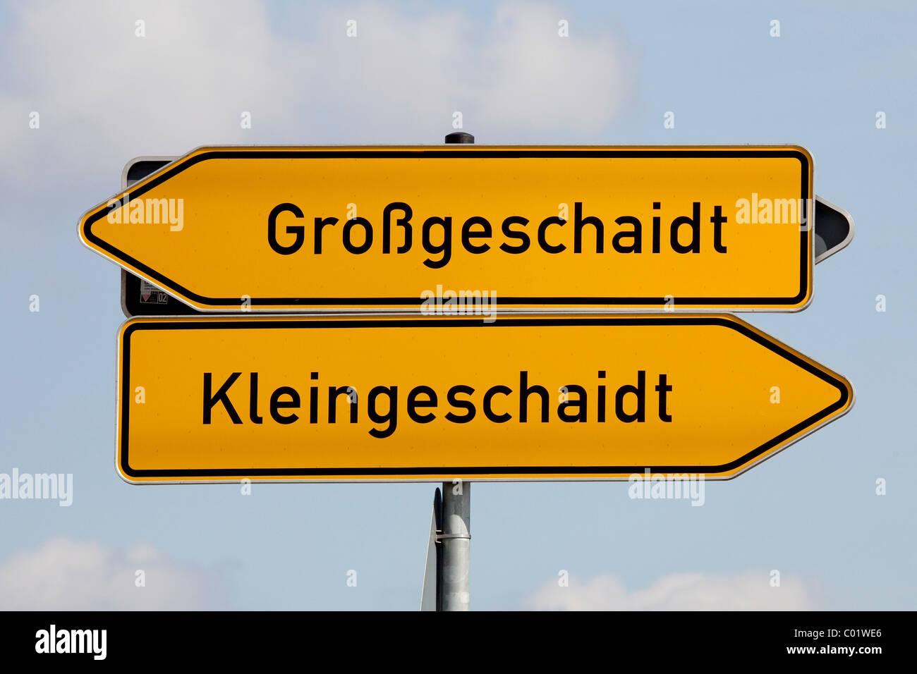 Road sign to the communities of Grossgeschaidt and Kleingeschaidt, Markt Heroldsberg in the Erlangen-Hoechstadt Stock Photo