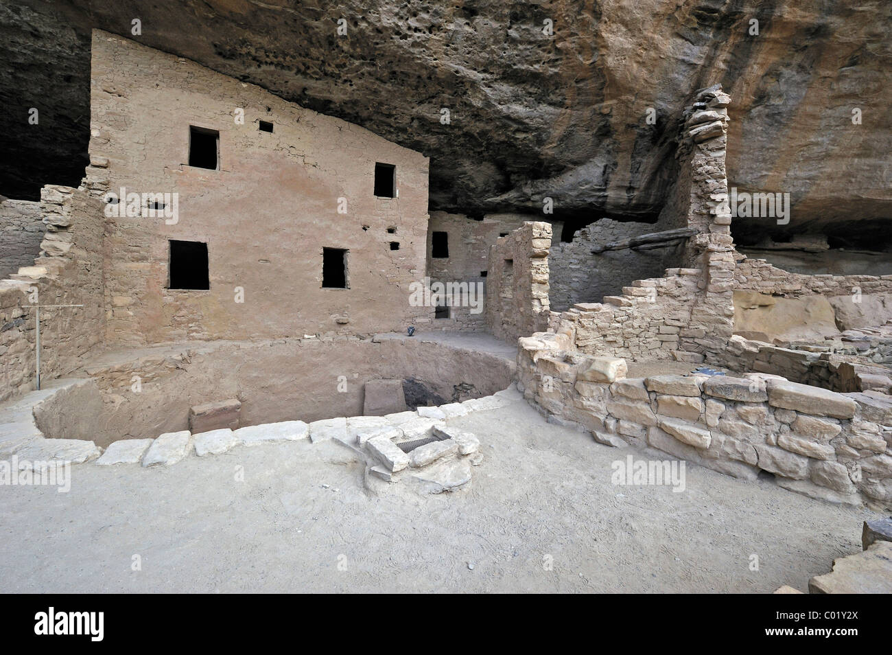 Spruce Tree House, a cliff dwelling of the Native American Indians, about 800 years old, Mesa Verde National Park - Stock Image