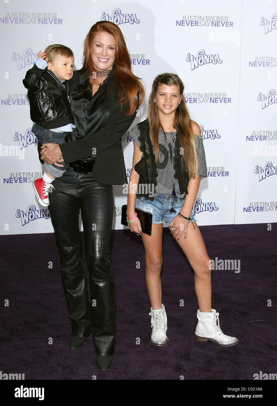 ANGIE EVERHART GUESTS JUSTIN BIEBER: NEVER SAY NEVER LOS ANGELES PREMIERE DOWNTOWN LOS ANGELES CALIFORNIA USA 08 - Stock Image