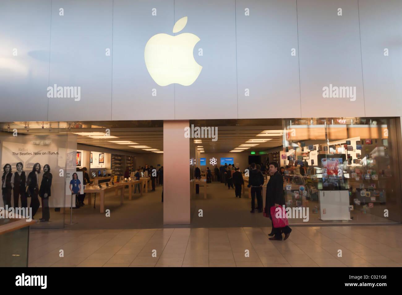 Apple Shop Stock Photos & Apple Shop Stock Images - Alamy