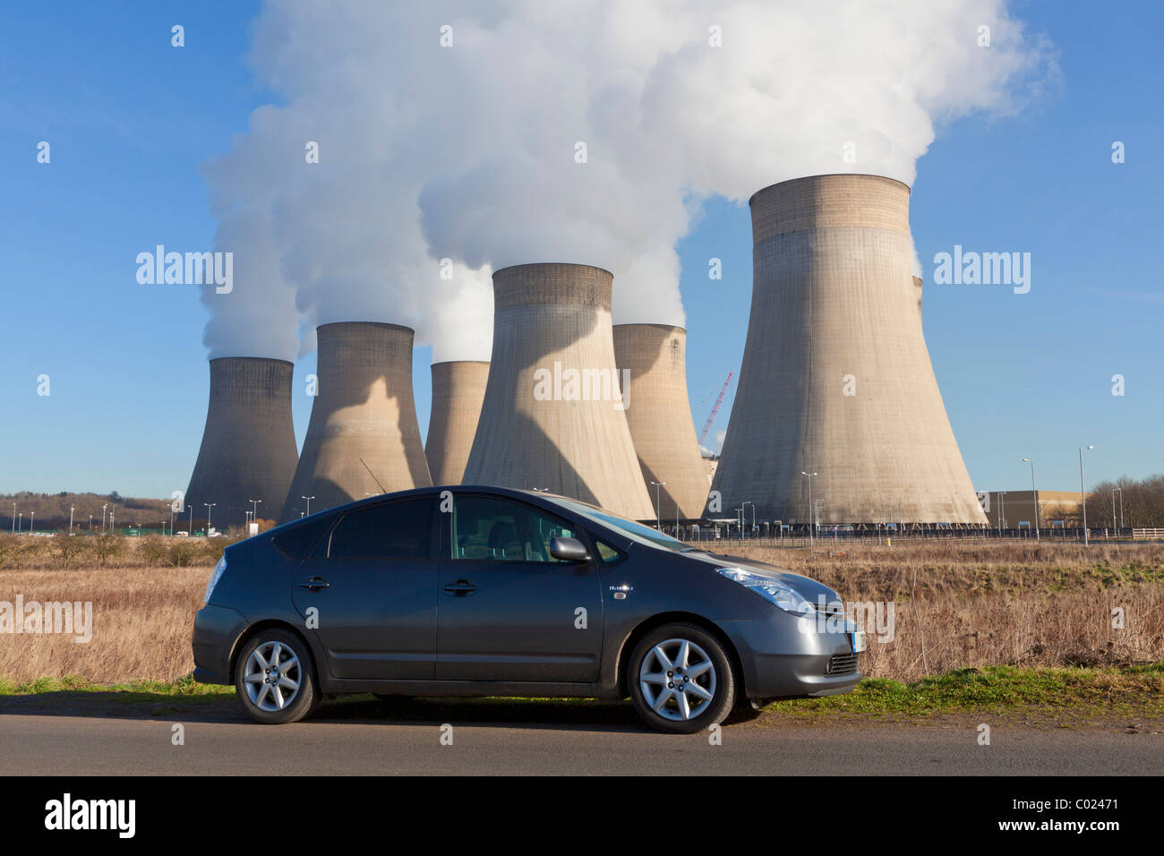 Toyota Prius hybrid car by Ratcliffe-on-Soar coal-fired power station Ratcliffe on soar Nottinghamshire England - Stock Image
