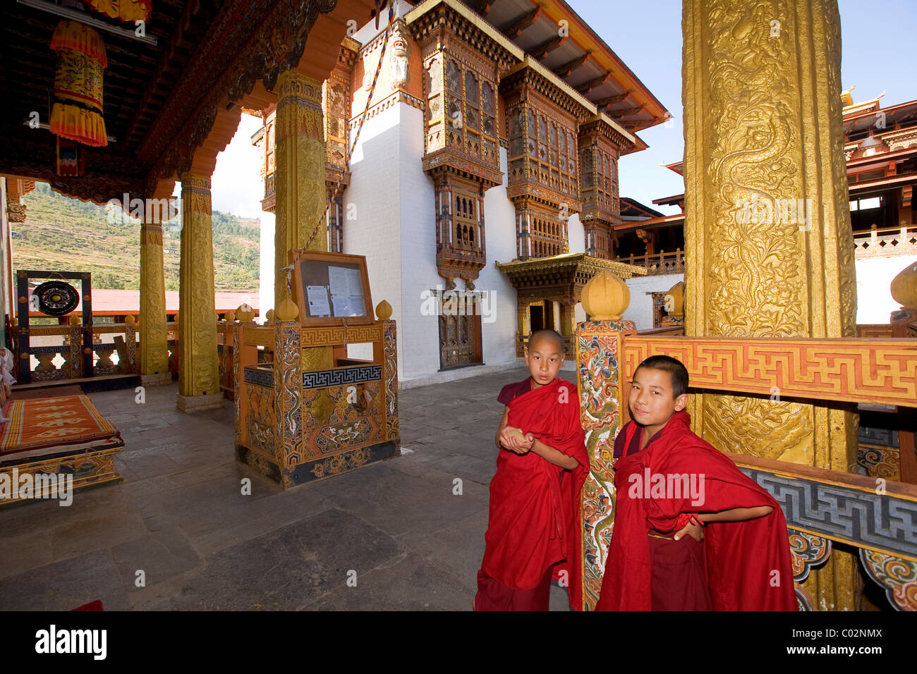 Dzong of Punakha, Buddhist monastery fortress, monks at the temple, Bhutan, Kingdom of Bhutan, South Asia - Stock Image