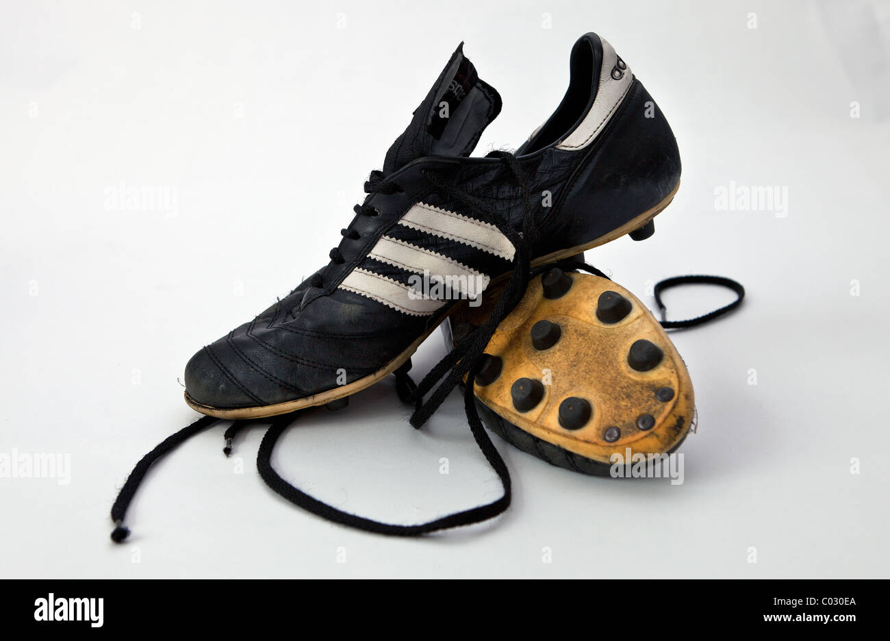 clearance prices classic new high quality Pair of old football boots Stock Photo: 34486994 - Alamy