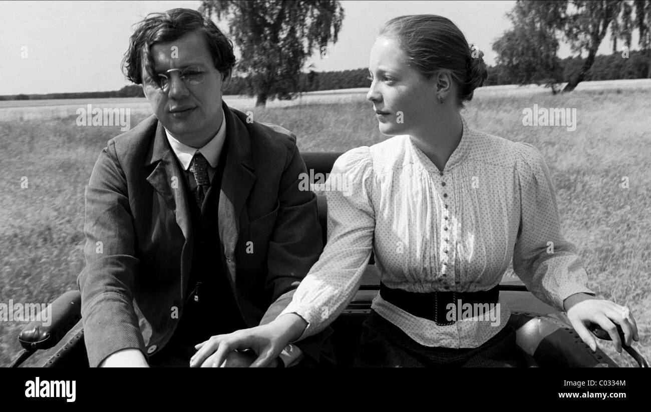CHRISTIAN FRIEDEL & LEONIE BENESCH THE WHITE RIBBON (2009) - Stock Image