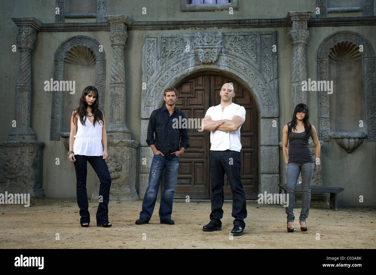 b851224a35 JORDANA BREWSTER PAUL WALKER VIN DIESEL   MICHELLE RODRIGUEZ FAST   FURIOUS   THE FAST AND THE FURIOUS 4 (2009)