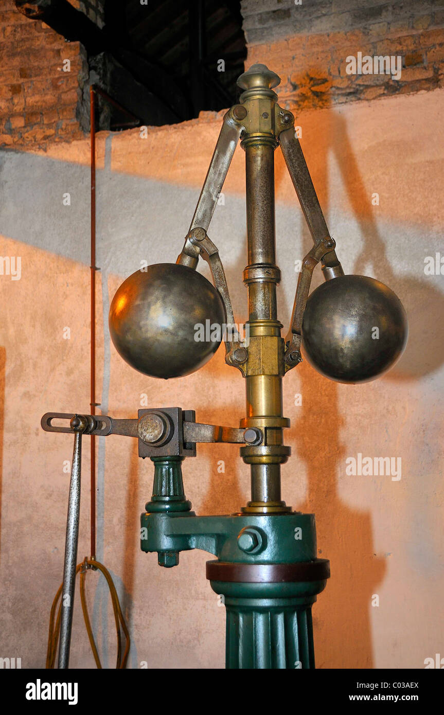 Centrifugal governor, 1880 steam engine from Glasgow, reserve drive, peat fired, Locke's Distillery, the oldest - Stock Image