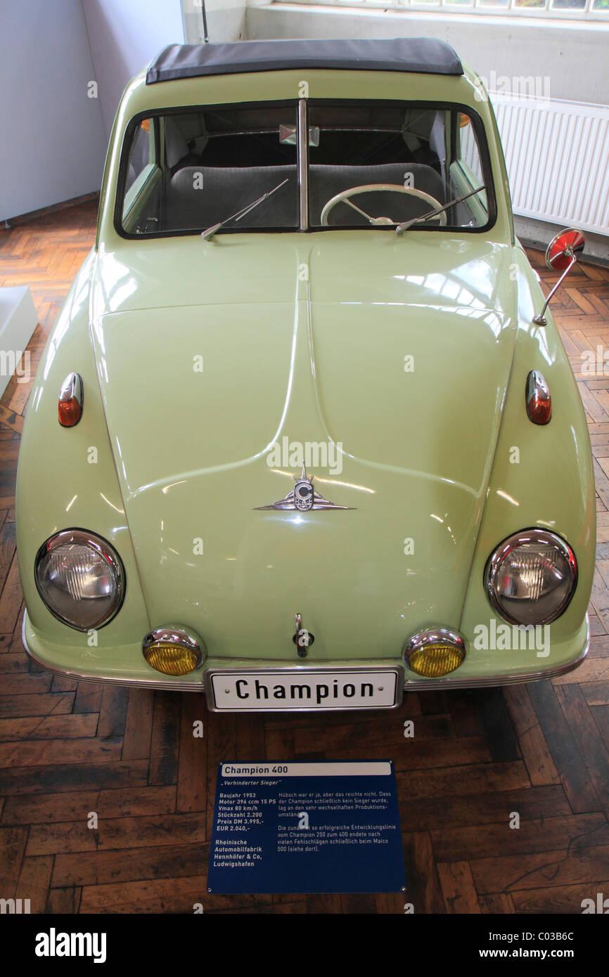 Champion 400 vintage car, built in 1953 by Rheinische Automobilfabrik Hennhoefer & Co Ludwigshafen, ErfinderZeiten: Stock Photo