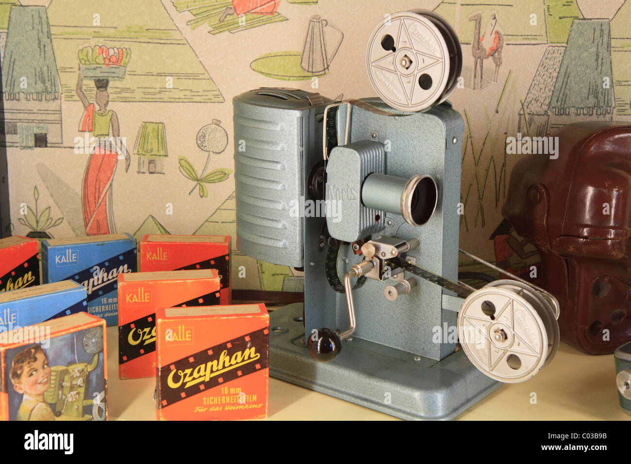 Old Film Projector Stock Photos & Old Film Projector Stock Images