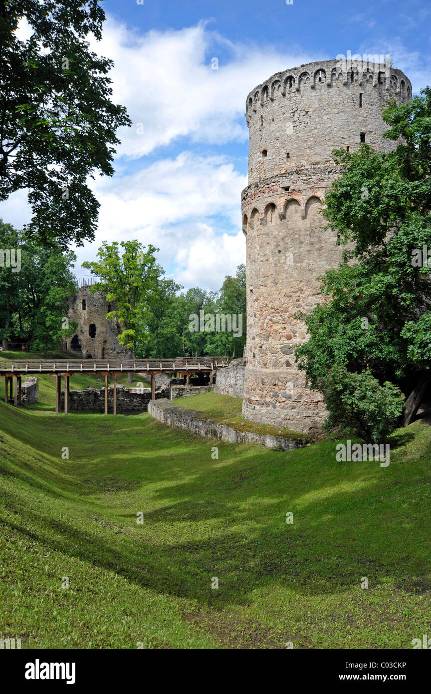 Keep with moat, castle of the Teutonic Knights, Cesis, Latvia, Baltic States, Northern Europe - Stock Image