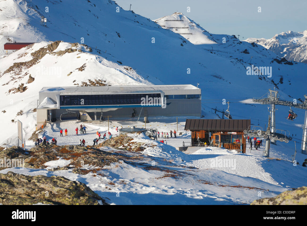 Austria, skiing on the hill at Hochzillertal, Europe - Stock Image