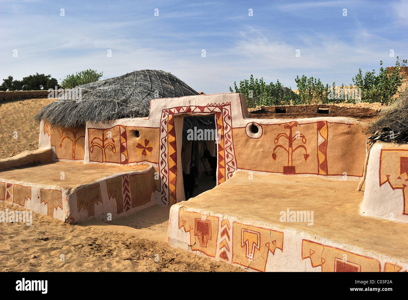 Traditionally painted wall and entrance to the courtyard of a house, Thar Desert, Rajasthan, North India, India, Stock Photo