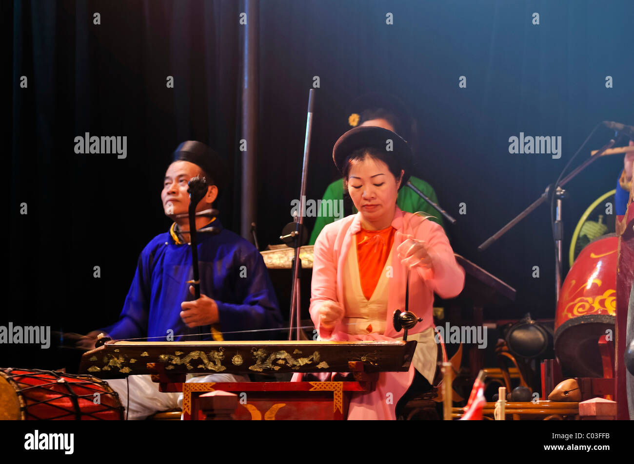 Live musicians in the Thang Long Water Puppet Theatre, Hanoi, North Vietnam, Vietnam, Southeast Asia - Stock Image