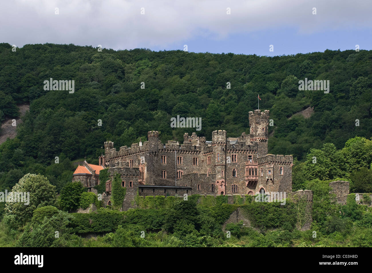 Burg Reichenstein Castle, also known as Falkenstein, UNESCO World Heritage Cultural Landscape of the Upper Middle - Stock Image