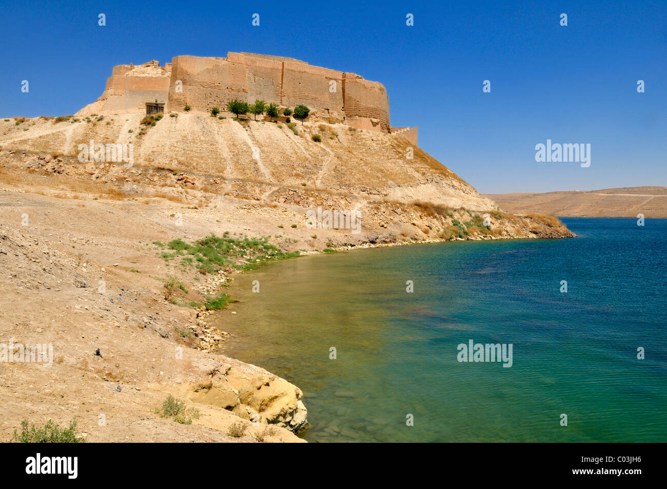 Historic castle of Qalaat Najim overlooking Assad Lake, Euphrates, Syria, Middle East, West Asia - Stock Image