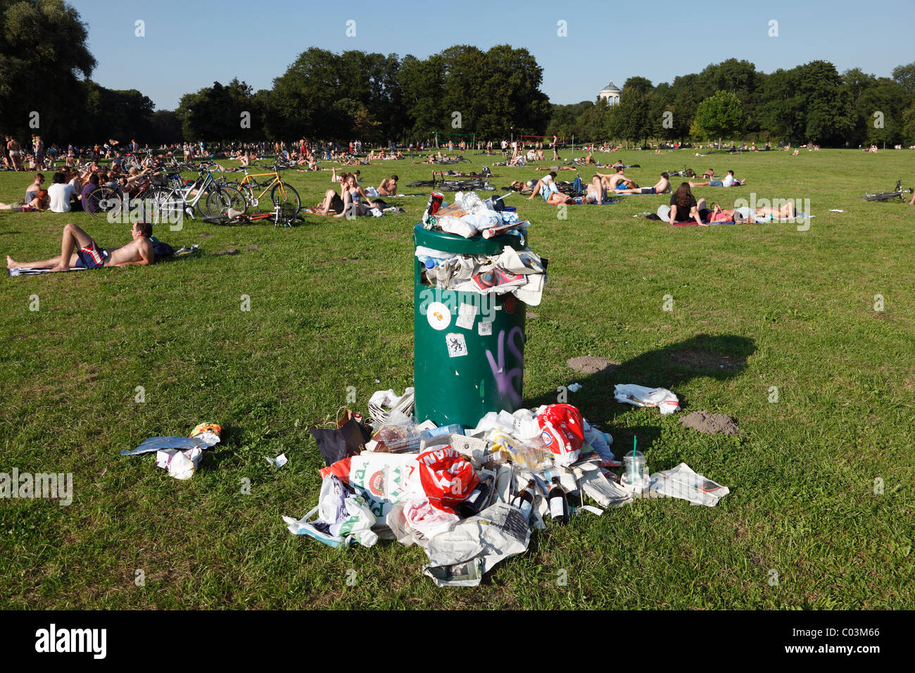 Litter, overflowing wastebin, Munich, Upper Bavaria, Bavaria, Germany - Stock Image