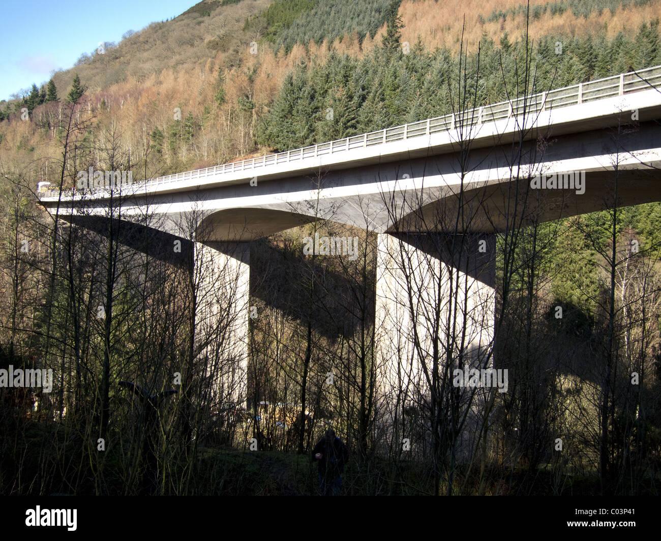 The concrete Greta Bridge in the Brundholme wood area of Keswick, Cumbria, UK. - Stock Image