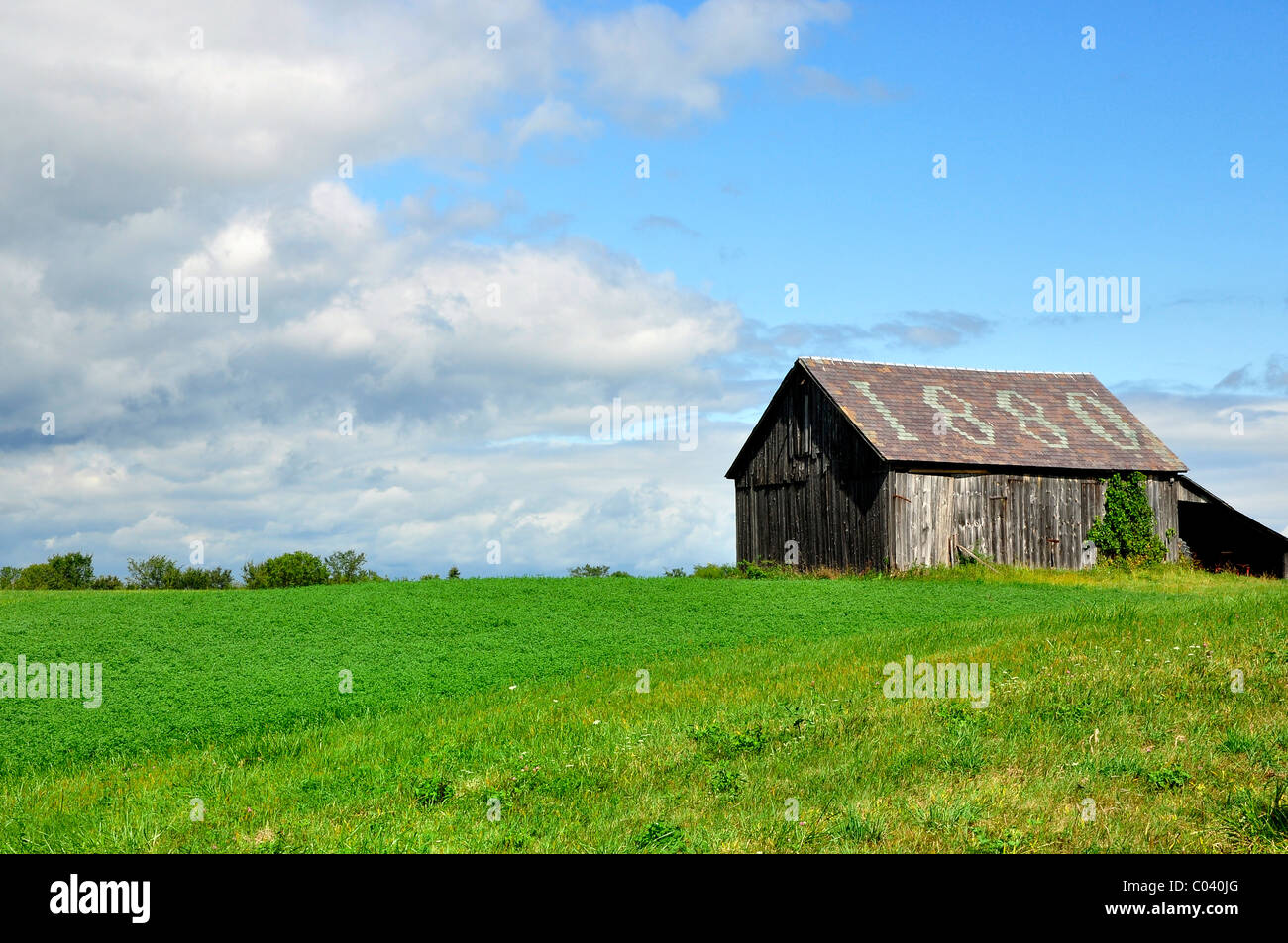 An old barn from 18th century, Vermont. - Stock Image