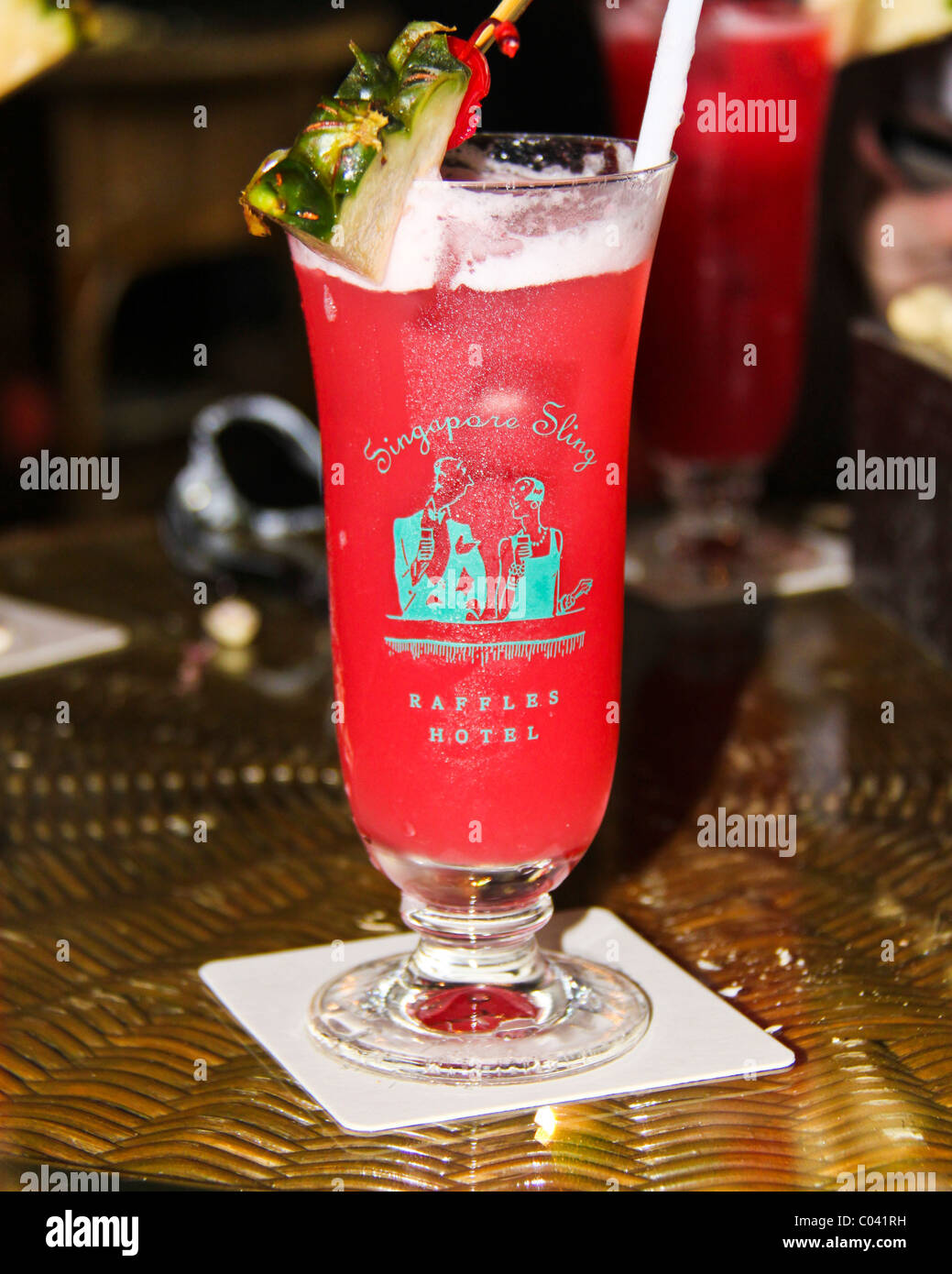 Singapore Sling A Famous Cocktail In The Raffles Hotel Long Bar Stock Photo Alamy