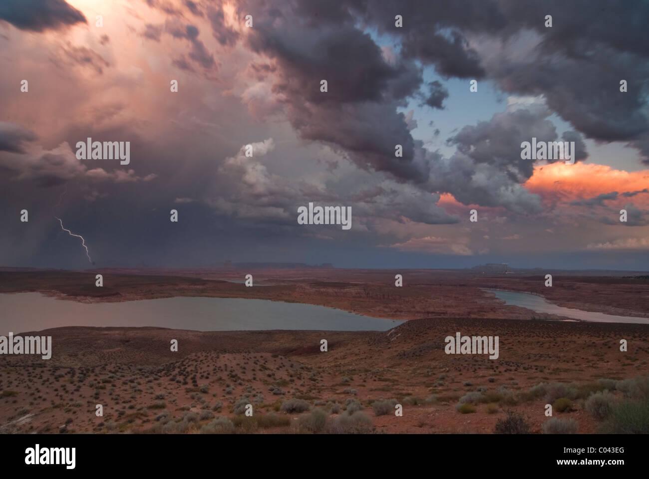 Afternoon thunderstorm overlooking Lake Powell, Arizona - Stock Image