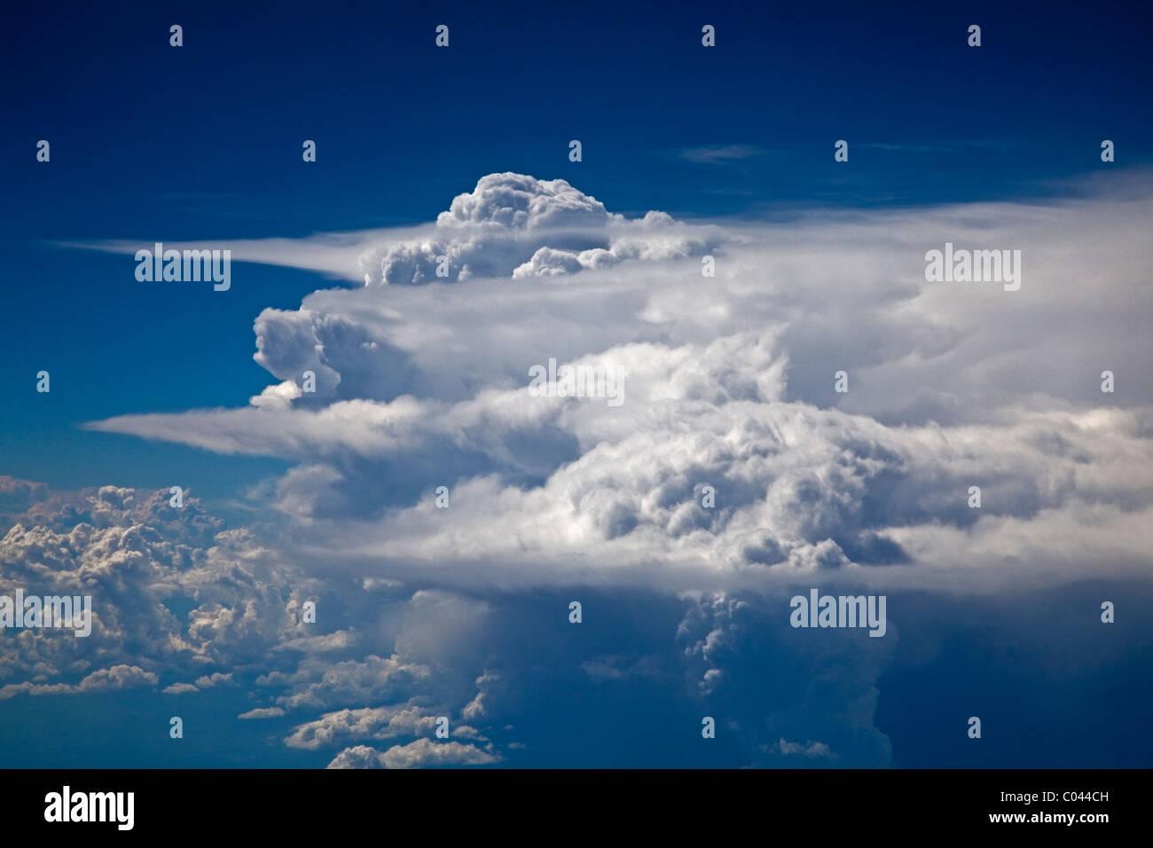 anvil cloud stock photos  u0026 anvil cloud stock images