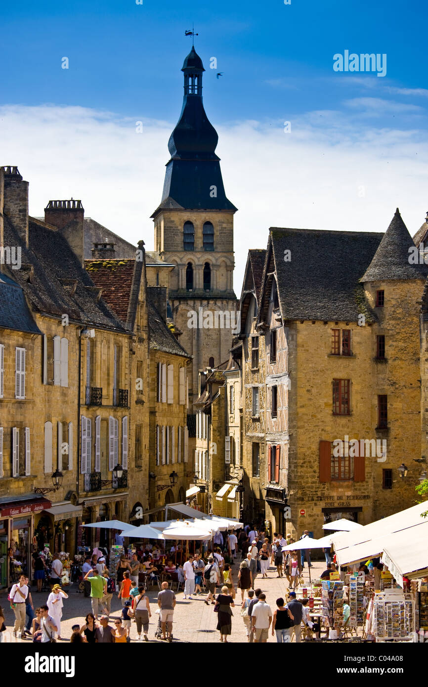 Centre Ville, tourists in the popular picturesque tourist destination of Sarlat in the Dordogne, France - Stock Image