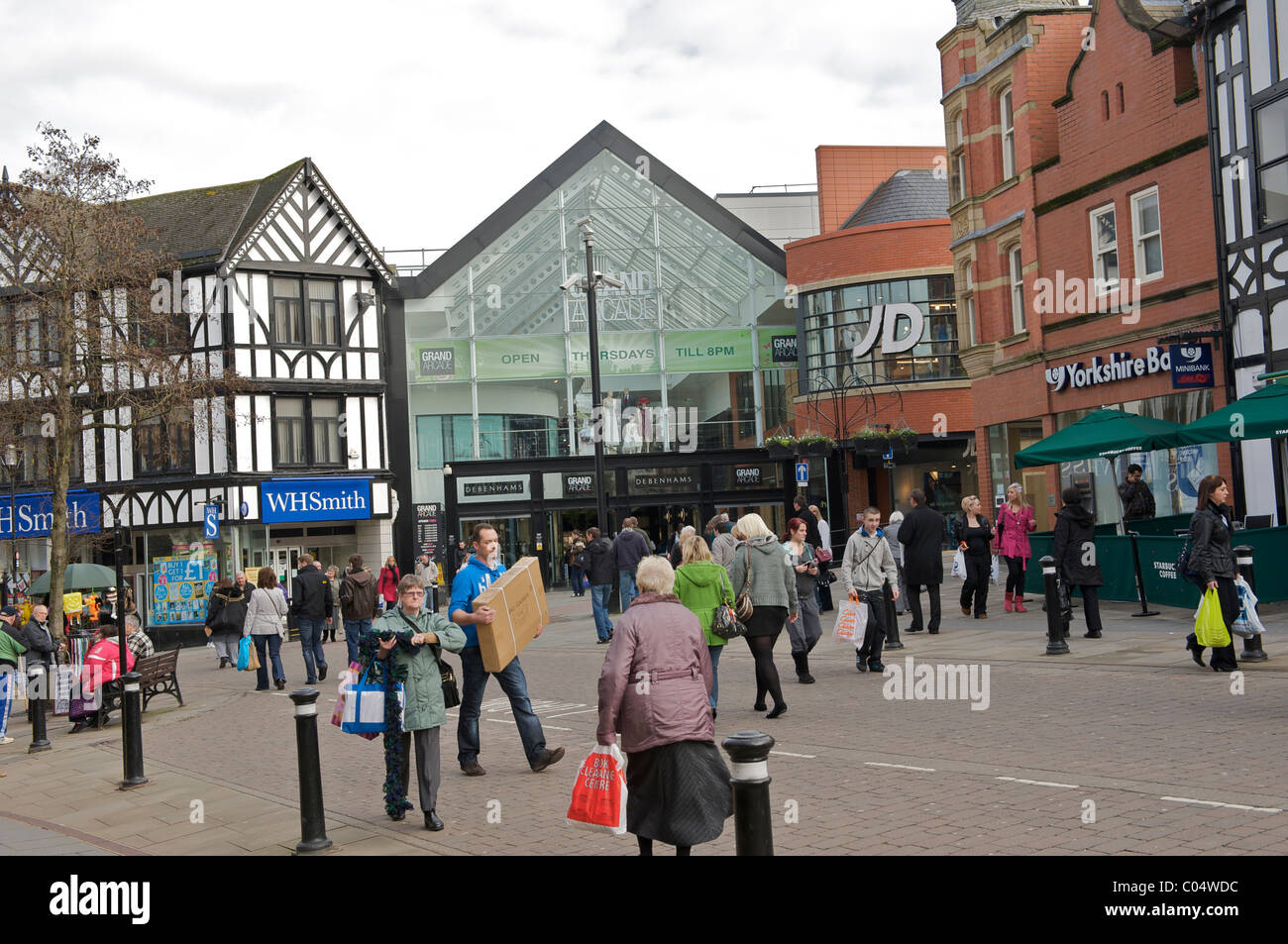 Wigan town centre shoppers - Stock Image