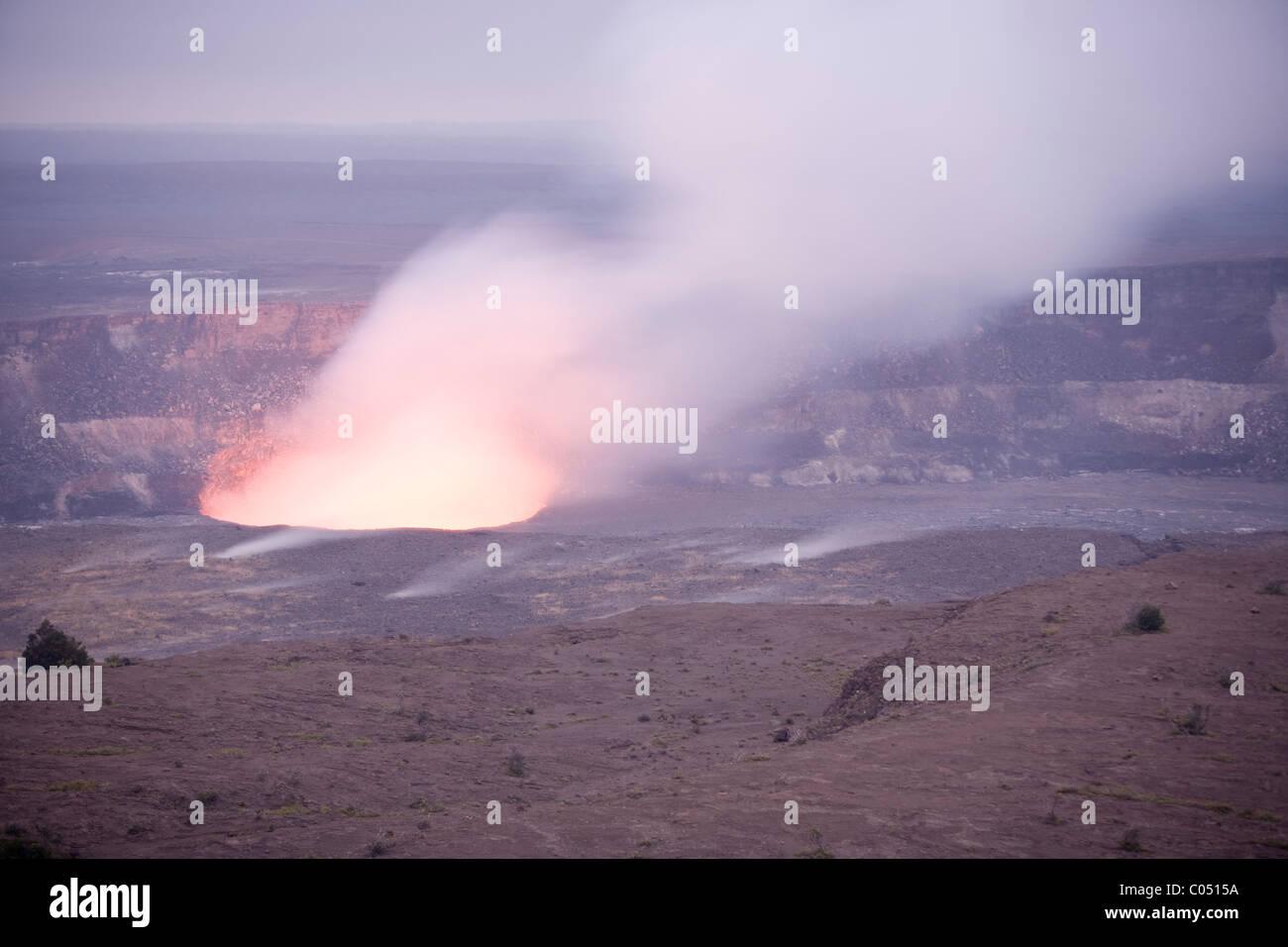 The lava filled Halema'uma'u Crater in Hawaii - Stock Image