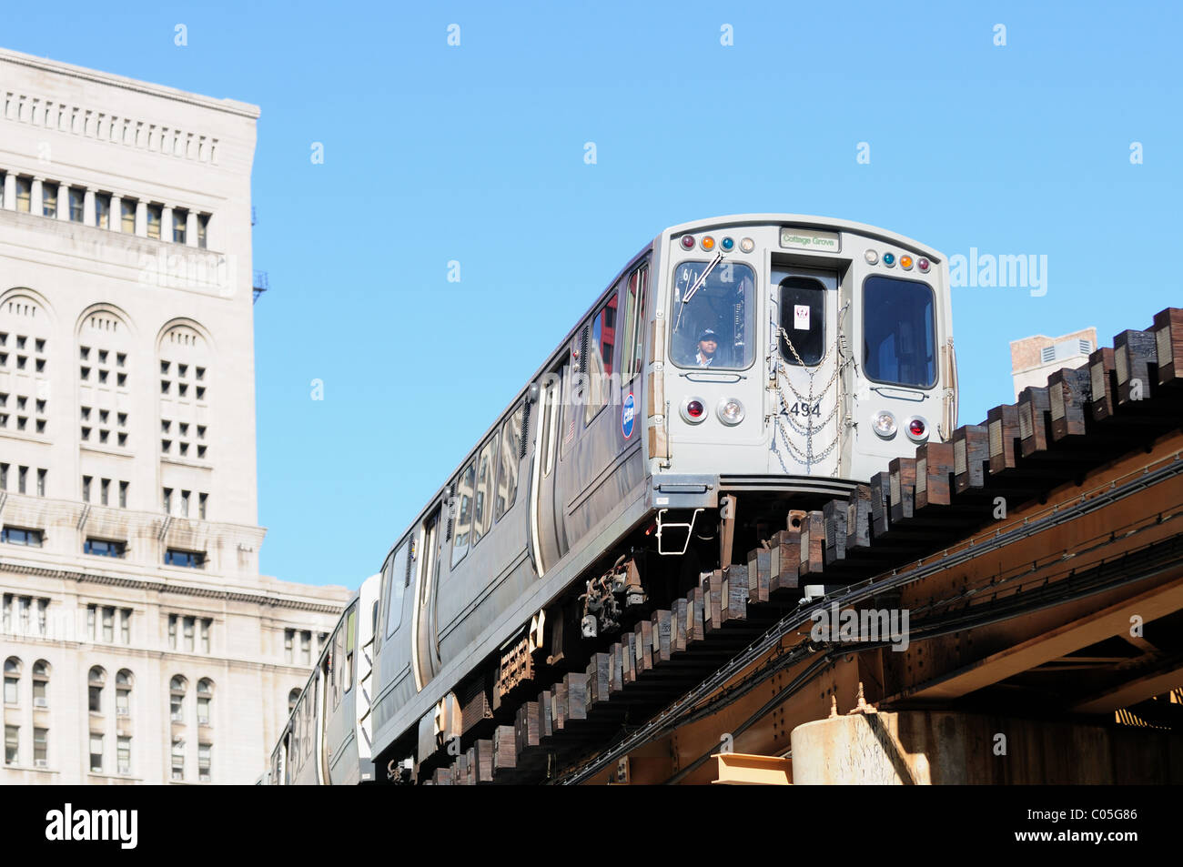 motorman negotiates a southbound CTA Green Line elevated rapid transit train Chicago Illinois, USA. - Stock Image