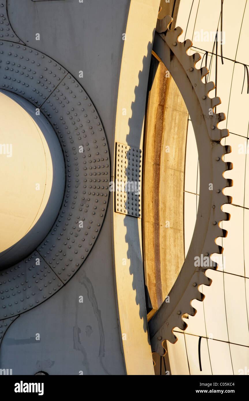 Detail of the lifting mechanism of the Falkirk Wheel, Falkirk, Scotland, UK. - Stock Image