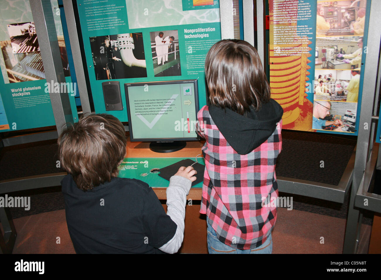 Children learning about storage of plutonium,  Science museum - Stock Image