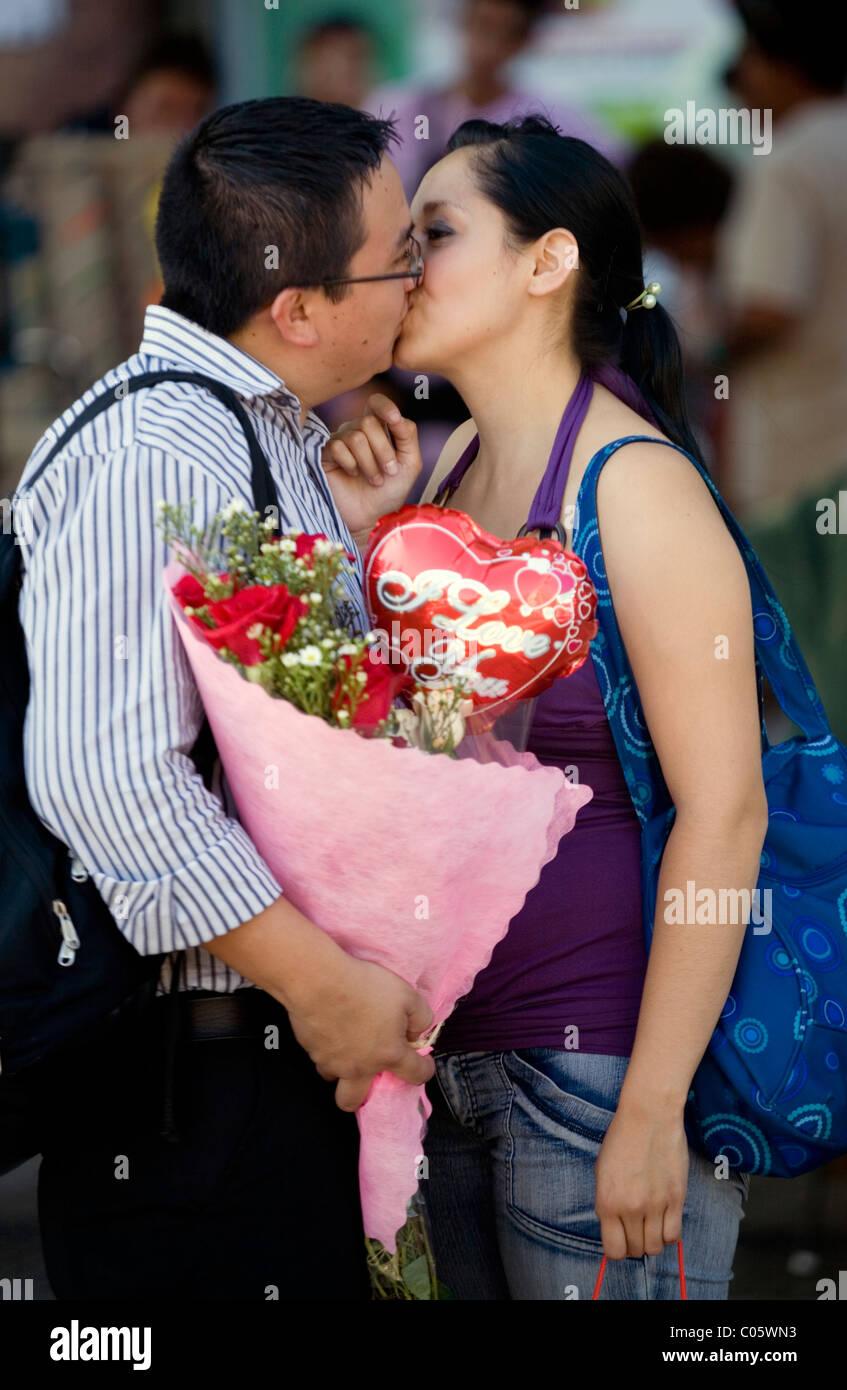 Couple meeting at san Valentine day Santiago de Chile - Stock Image
