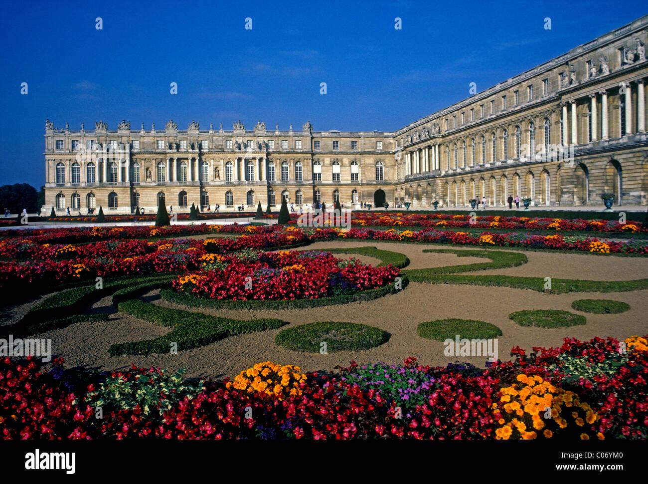 Gardens Palace Of Versailles Exterior 3