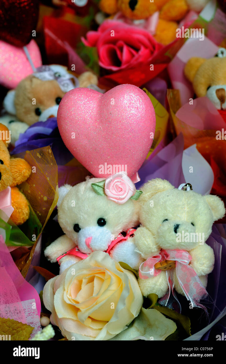 Cute Teddy Bear Bears Flowers And Love Hearts Valentines Valentine Day Celebration Celebrate Affection Gift Gifts Bouquets