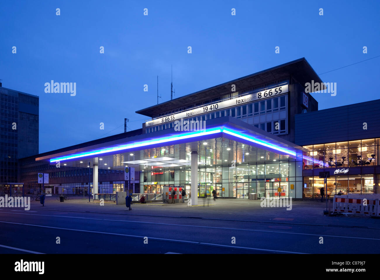 Central station, Essen, Ruhrgebiet region, North Rhine-Westphalia, Germany, Europe Stock Photo