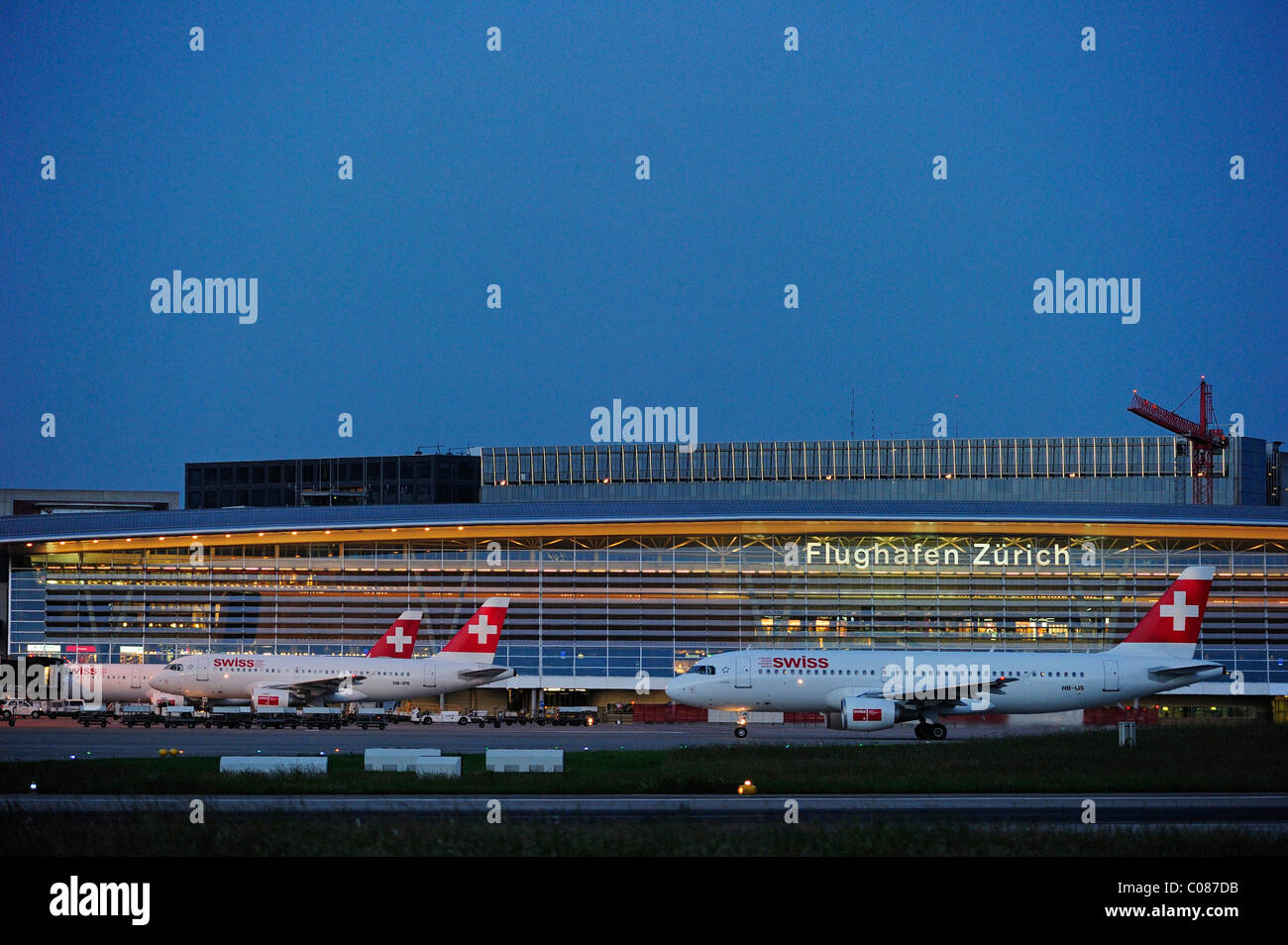 Check-in hall for all passengers, Zurich Airport, Switzerland, Europa - Stock Image