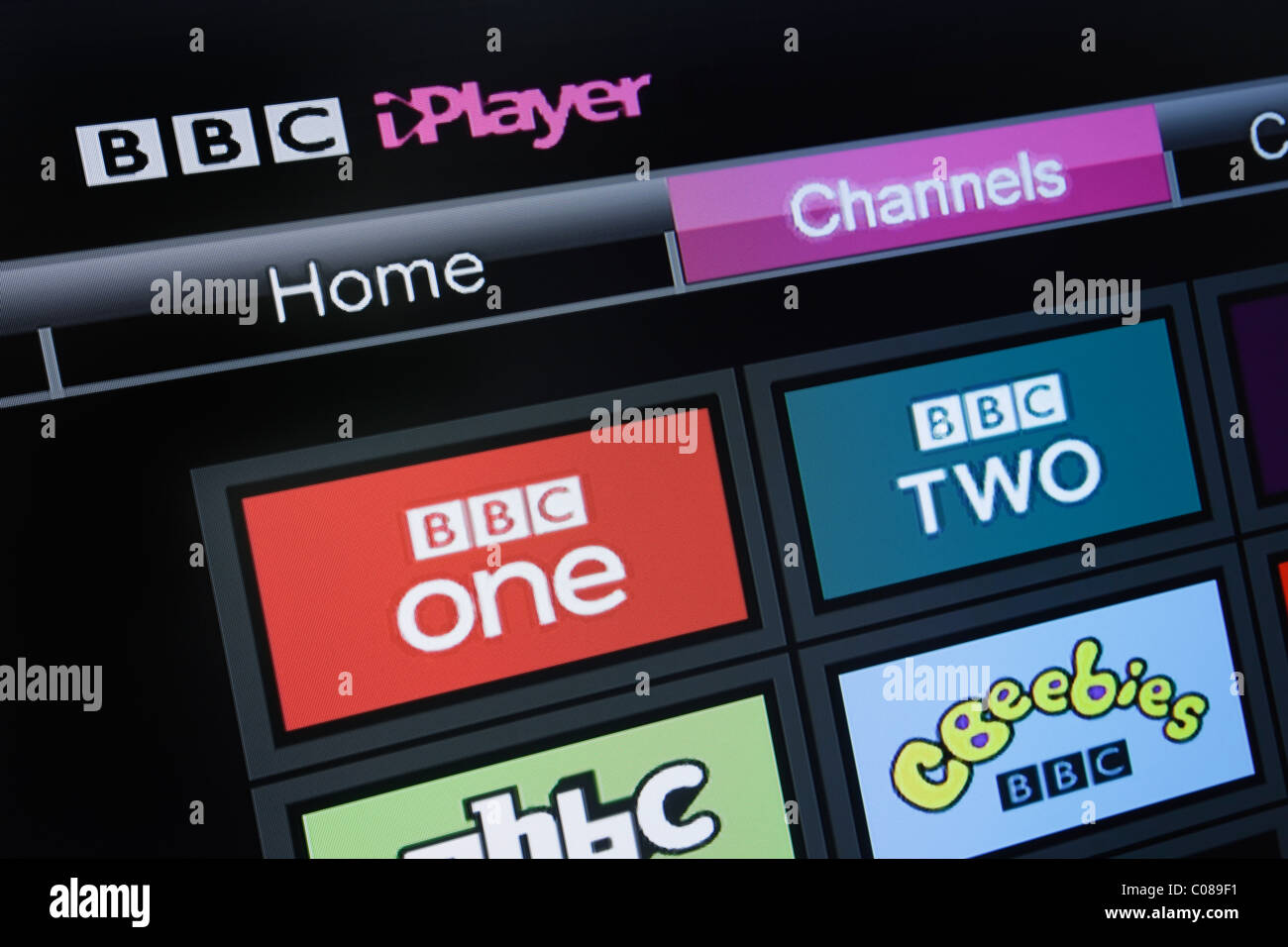 UK, Europe. Close-up screenshot of a flatscreen television showing BBC iPlayer channels on Freesat screen - Stock Image